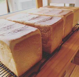 花林のよくねた食パン