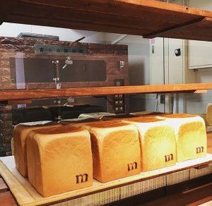 ルミトロンの食パン