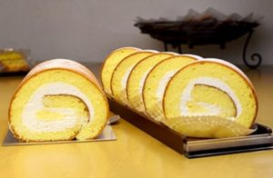 菓子工房 サンディアルのロールケーキ