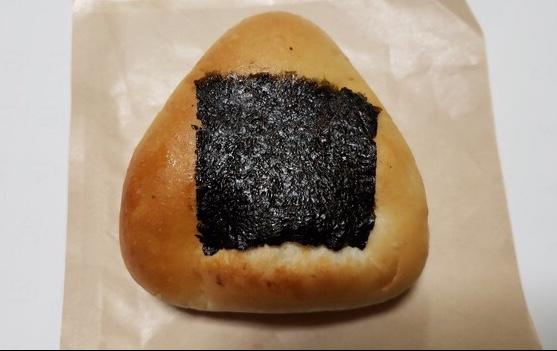 コメデパンのおにぎりパン