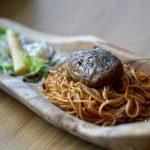 【マルヤマロッジ ゴーアンド】ビーフ100%絶品ハンバーグ!山小屋風カフェ!